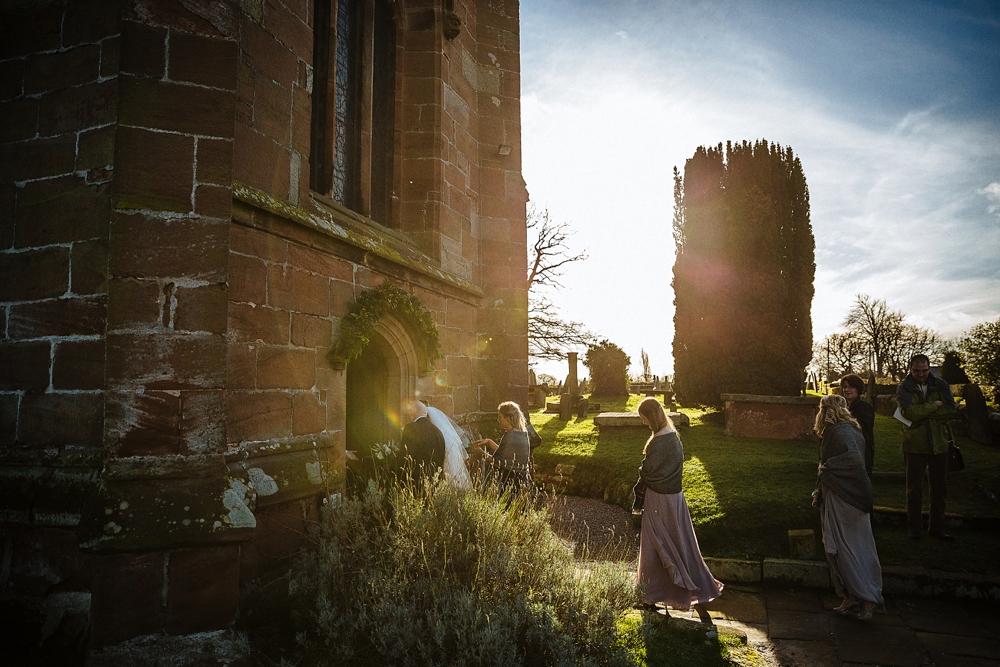 www.paulmarbrook.com-wedding-combermere-abbey_0114