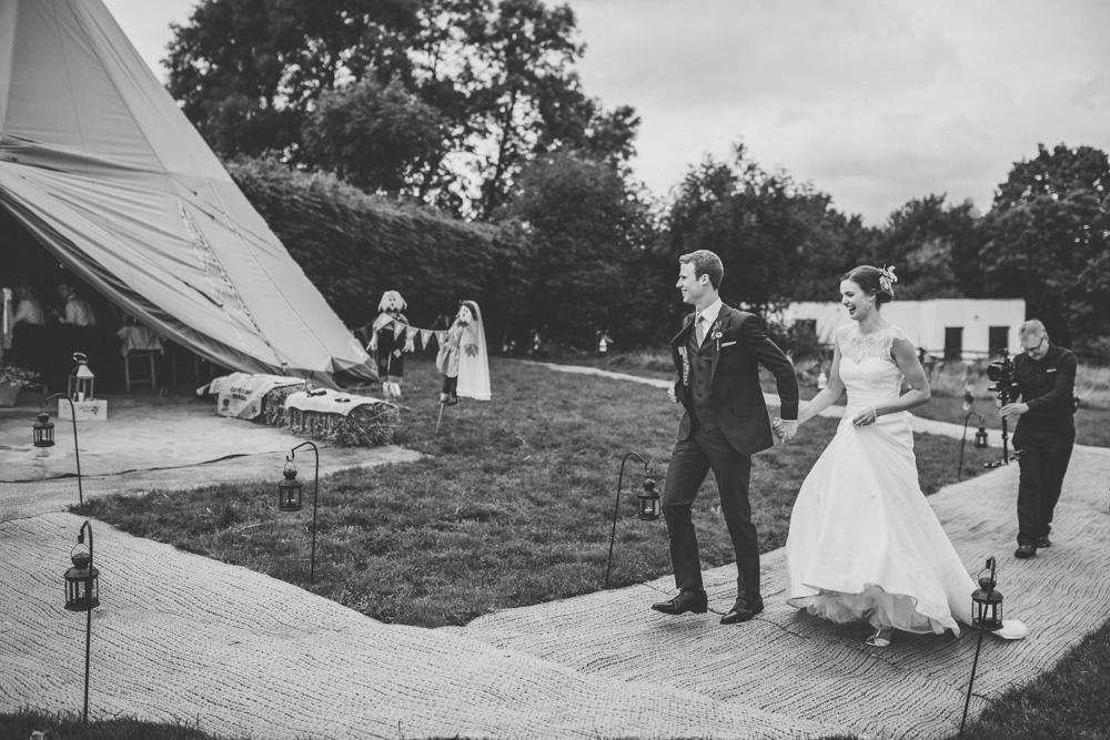 www.paulmarbrook.com-wedding-tipi-cheshire-wales_0079