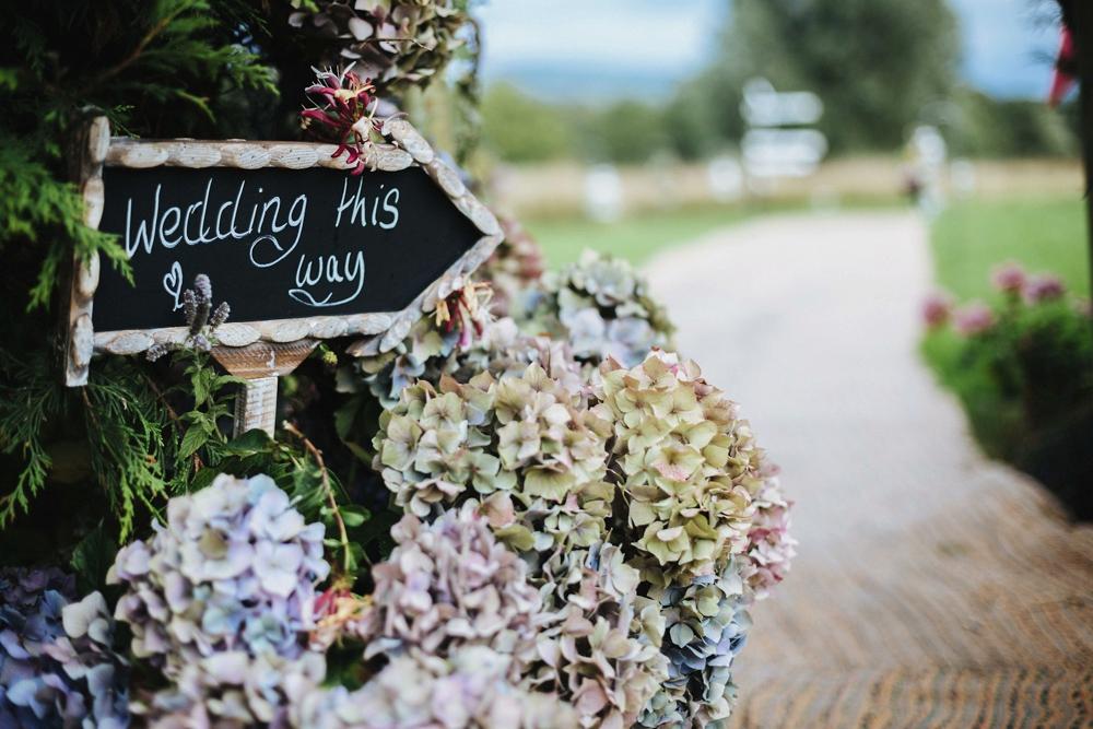 www.paulmarbrook.com-wedding-tipi-cheshire-wales_0082