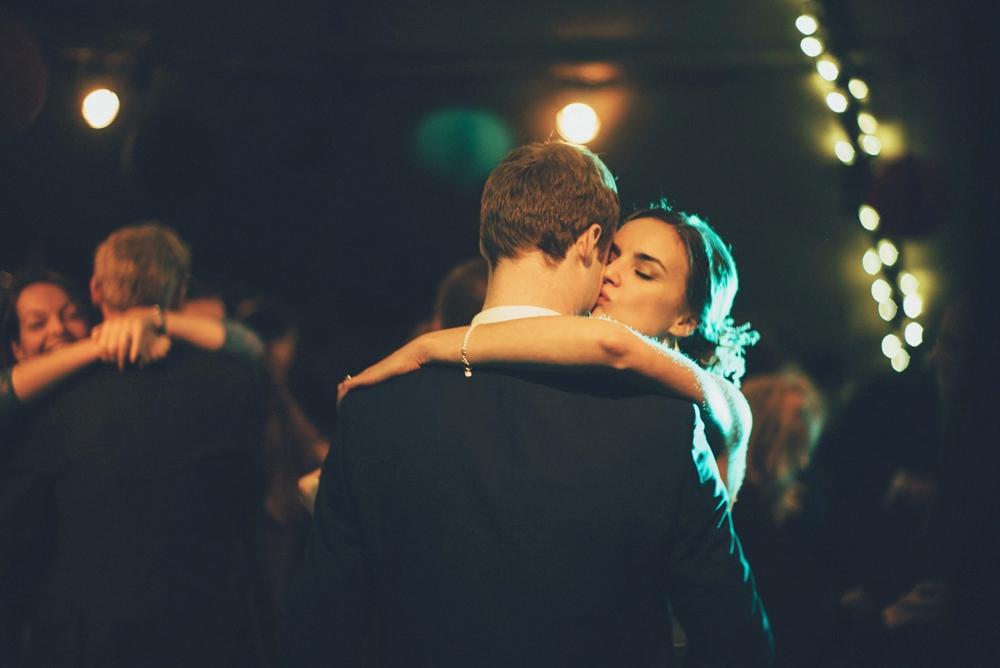 www.paulmarbrook.com-wedding-tipi-cheshire-wales_0125