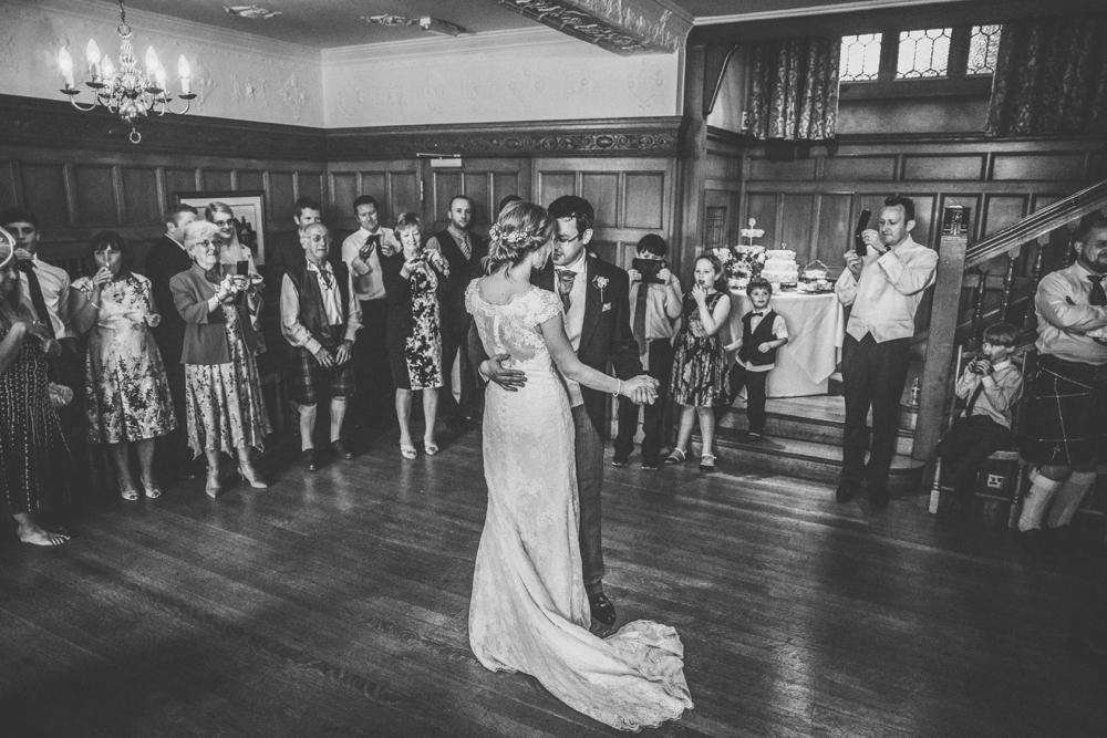 www.paulmarbrook.com-wedding-tipi-yurt-marquee-Frodsham-Cheshire_0137