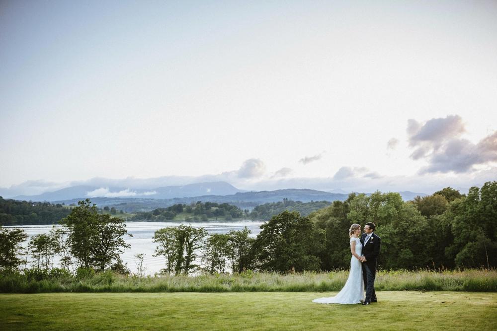 www.paulmarbrook.com-wedding-tipi-yurt-marquee-Frodsham-Cheshire_0149