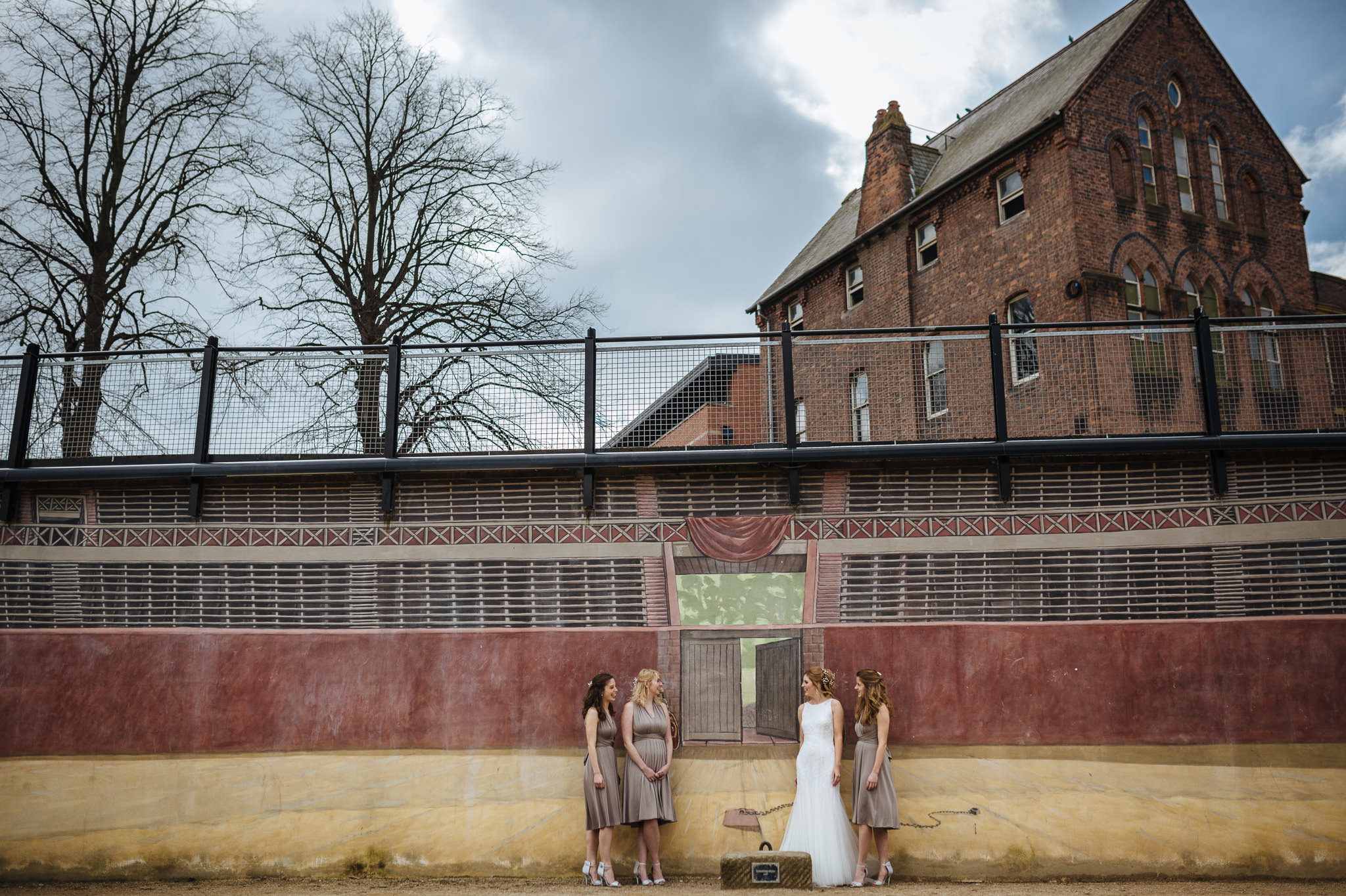 Chester-Cheshire-Creative-natural-wedding-photography-90013