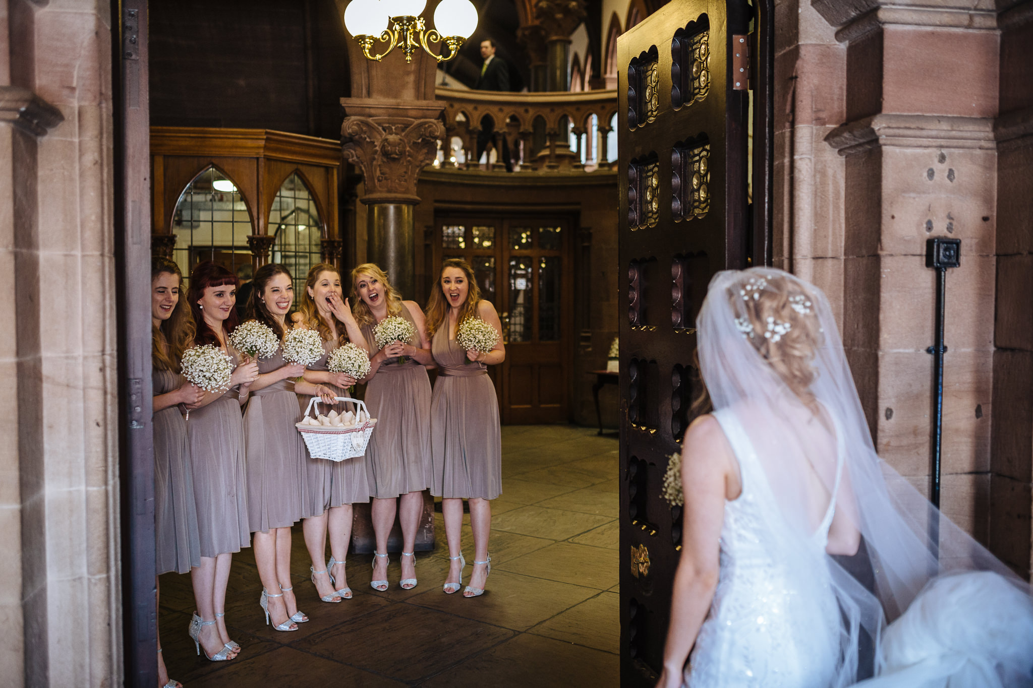 Chester-Cheshire-Creative-natural-wedding-photography-90024
