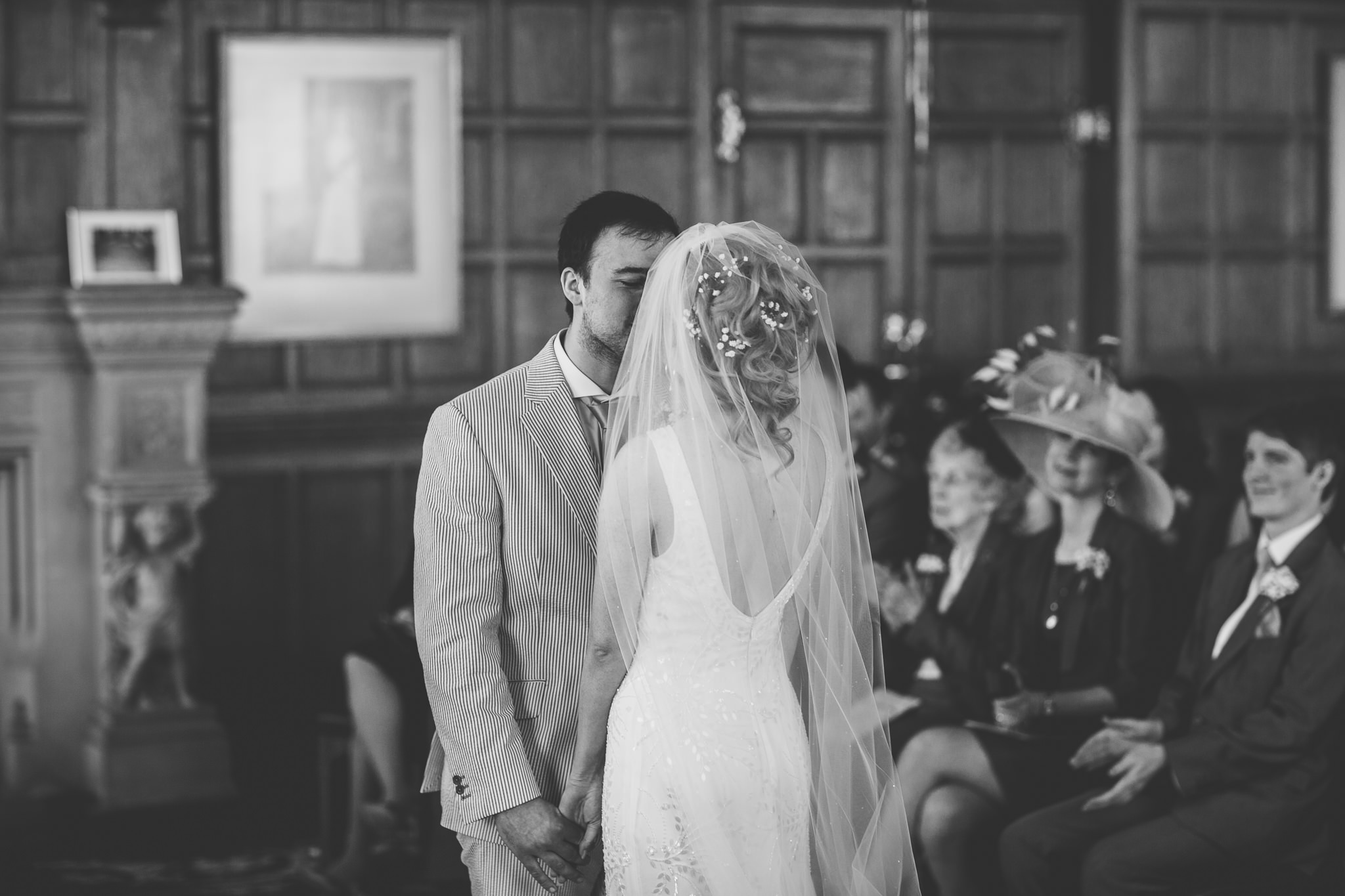 Chester-Cheshire-Creative-natural-wedding-photography-90033