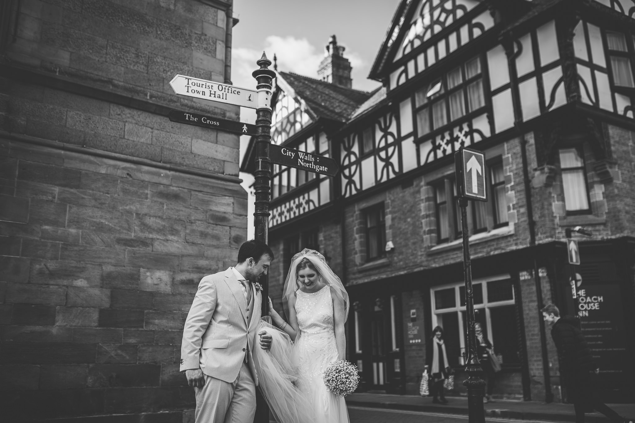Chester-Cheshire-Creative-natural-wedding-photography-90049