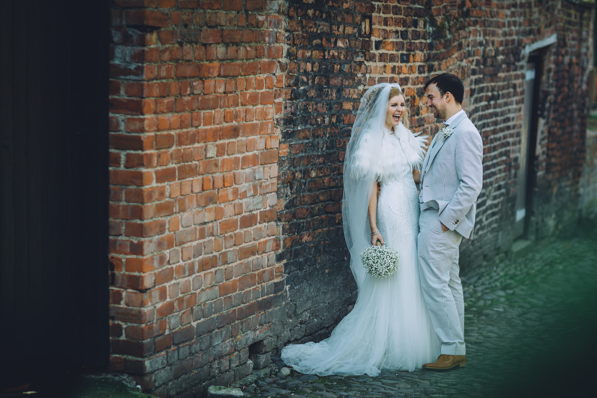 Chester-Cheshire-Creative-natural-wedding-photography-90050