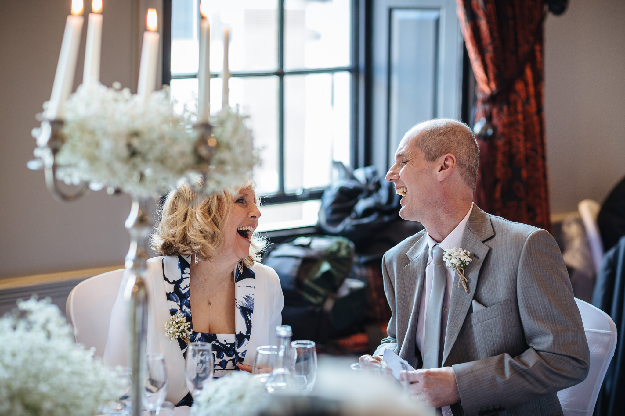 Chester-Cheshire-Creative-natural-wedding-photography-90064