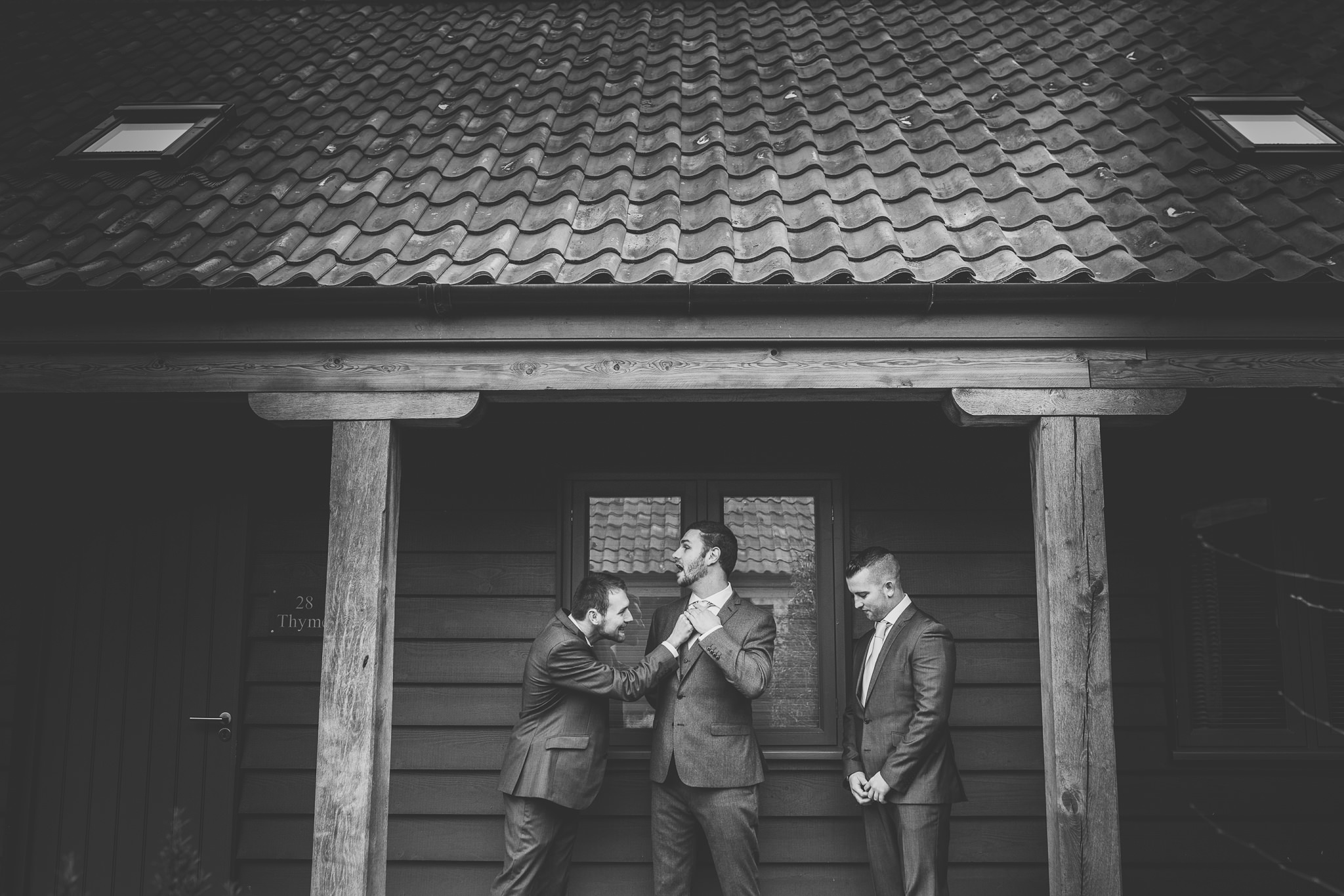 Creative-reportage-wedding-photography-90008