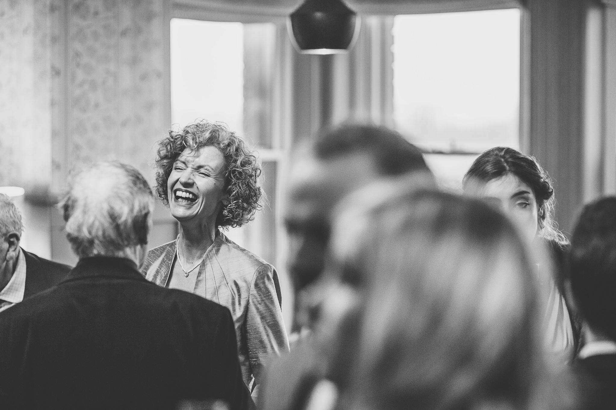 Creative-reportage-wedding-photography-90028