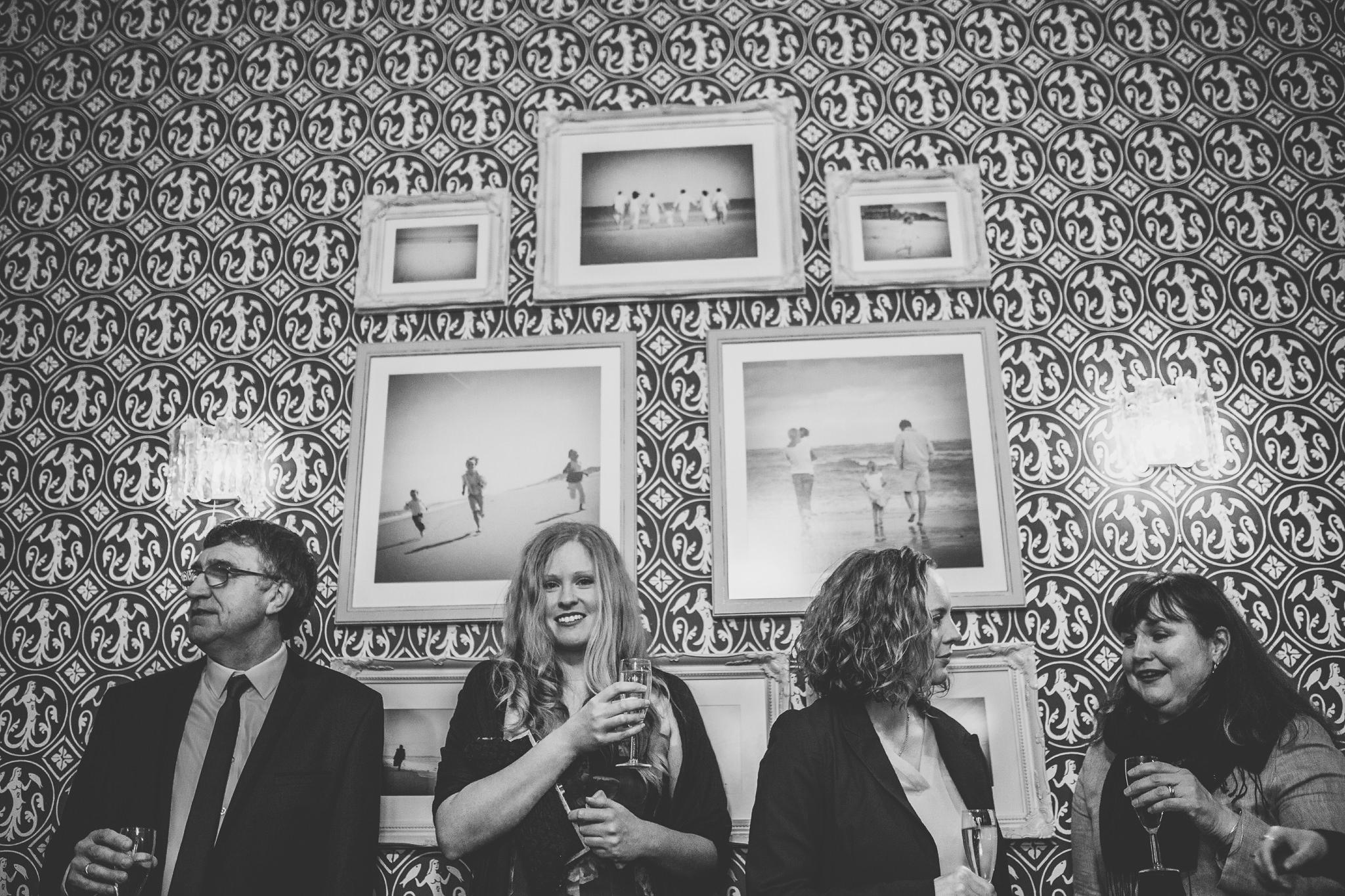 Creative-reportage-wedding-photography-90030