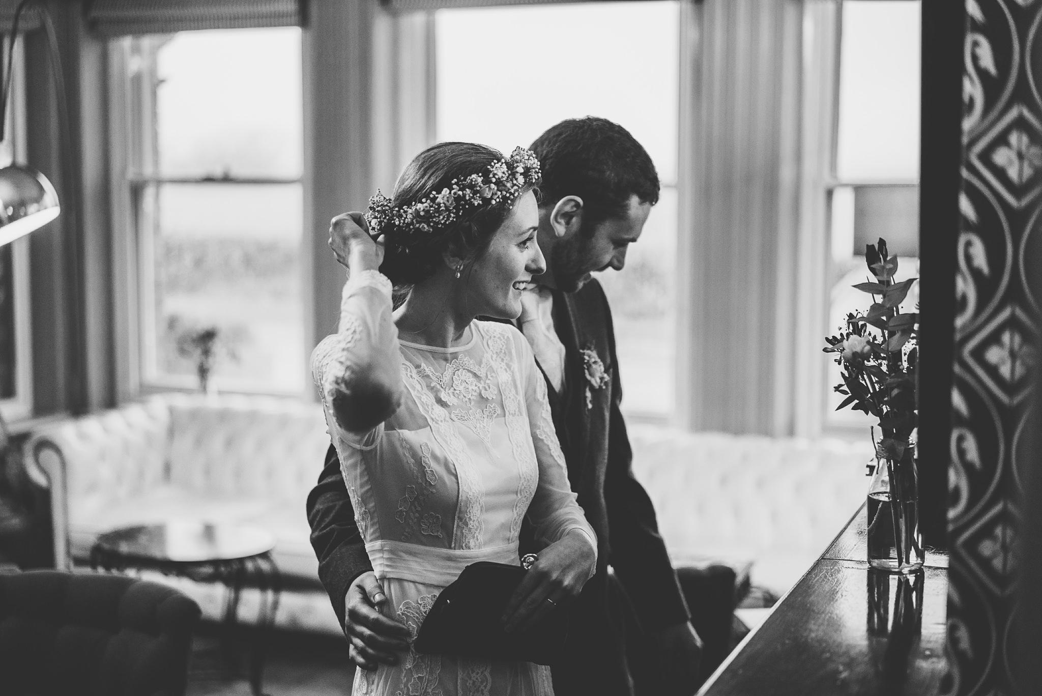 Creative-reportage-wedding-photography-90032