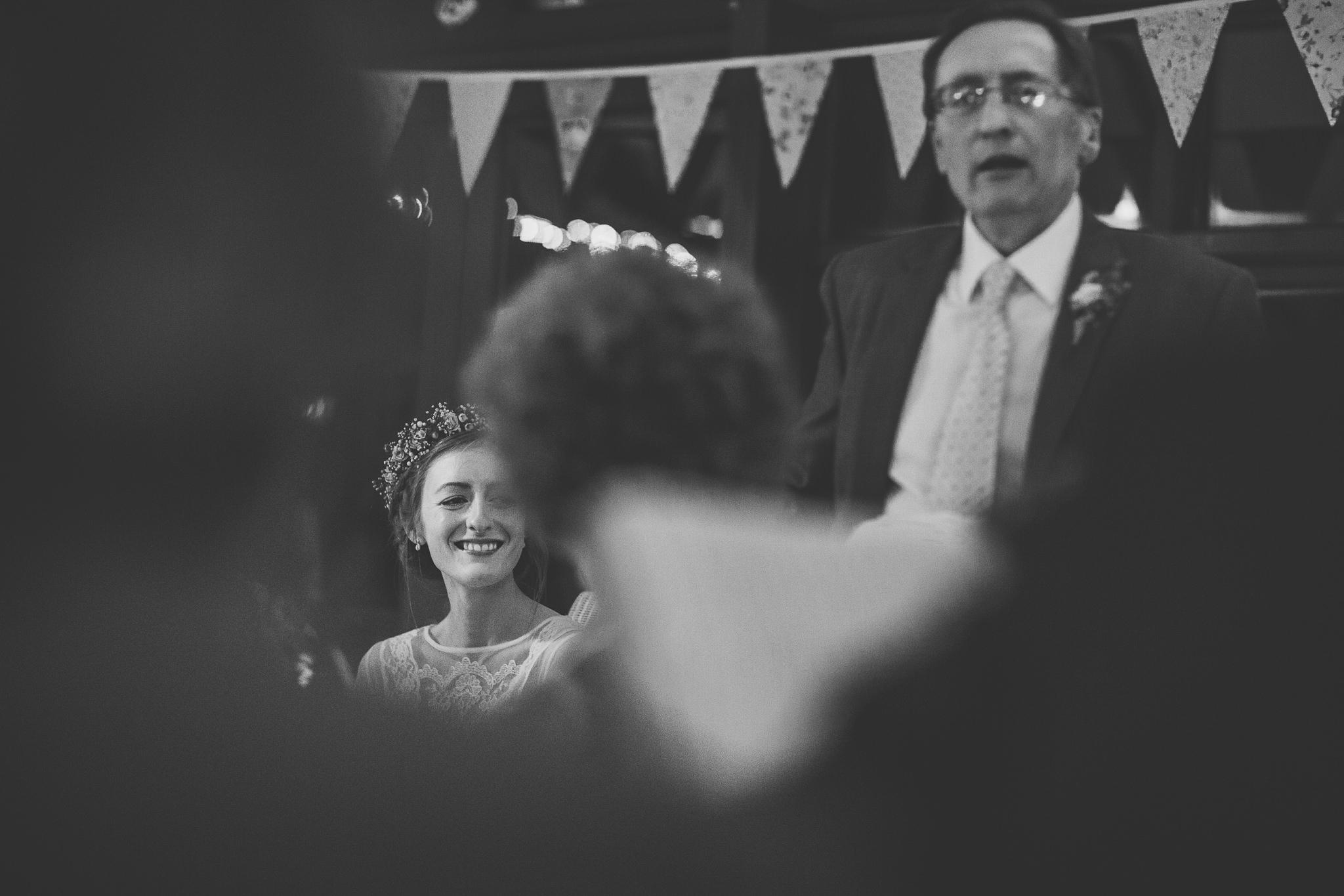 Creative-reportage-wedding-photography-90035