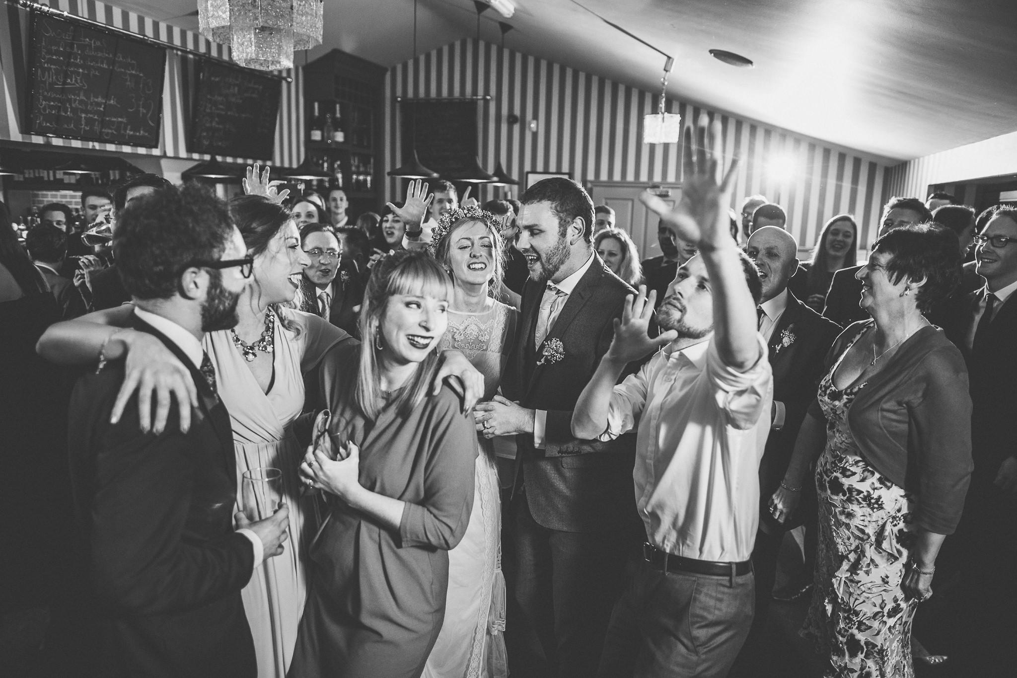 Creative-reportage-wedding-photography-90045