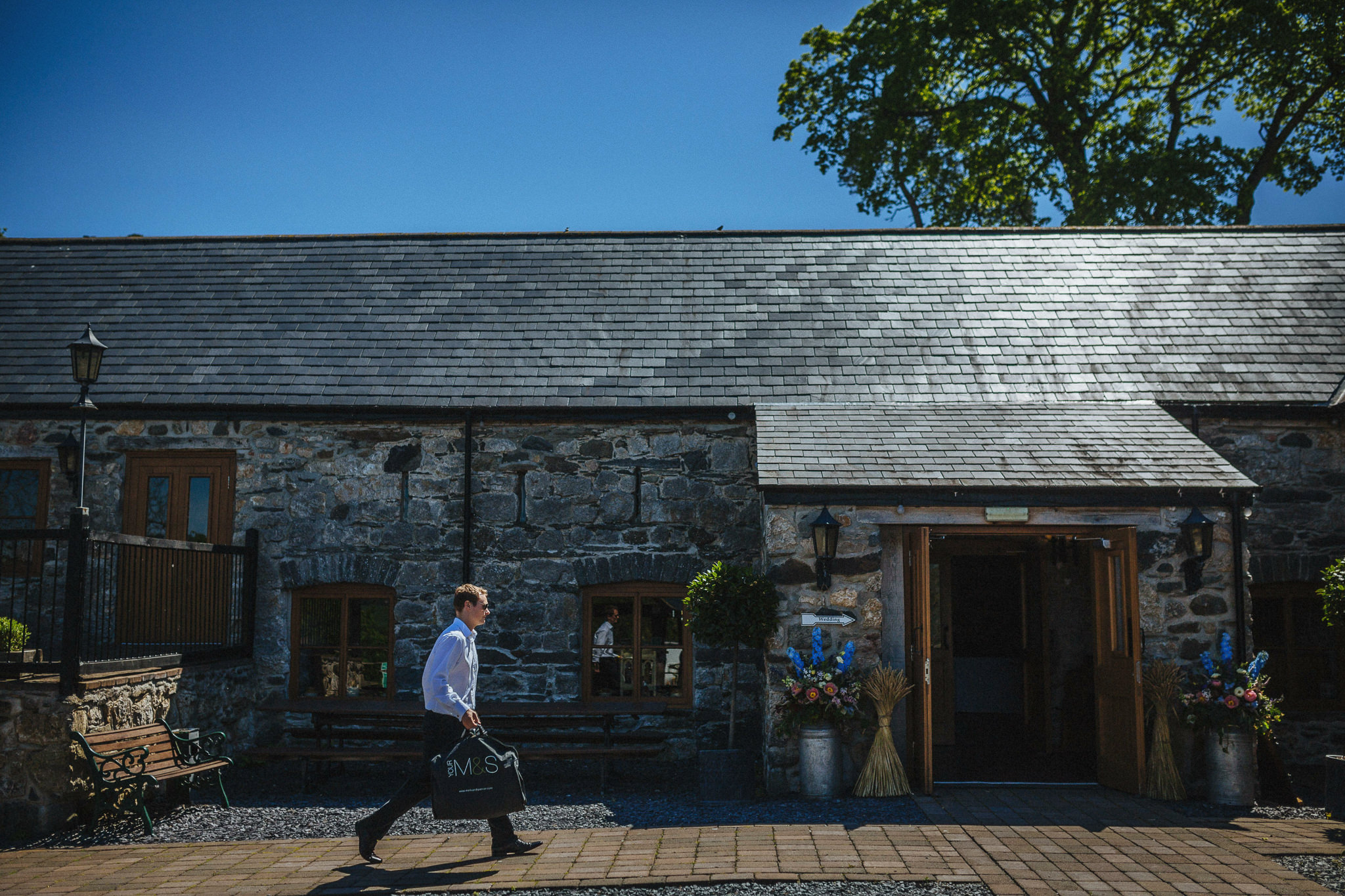 plas-isaf-corwen-north-wales-farm-wedding-photography-photographer-90017