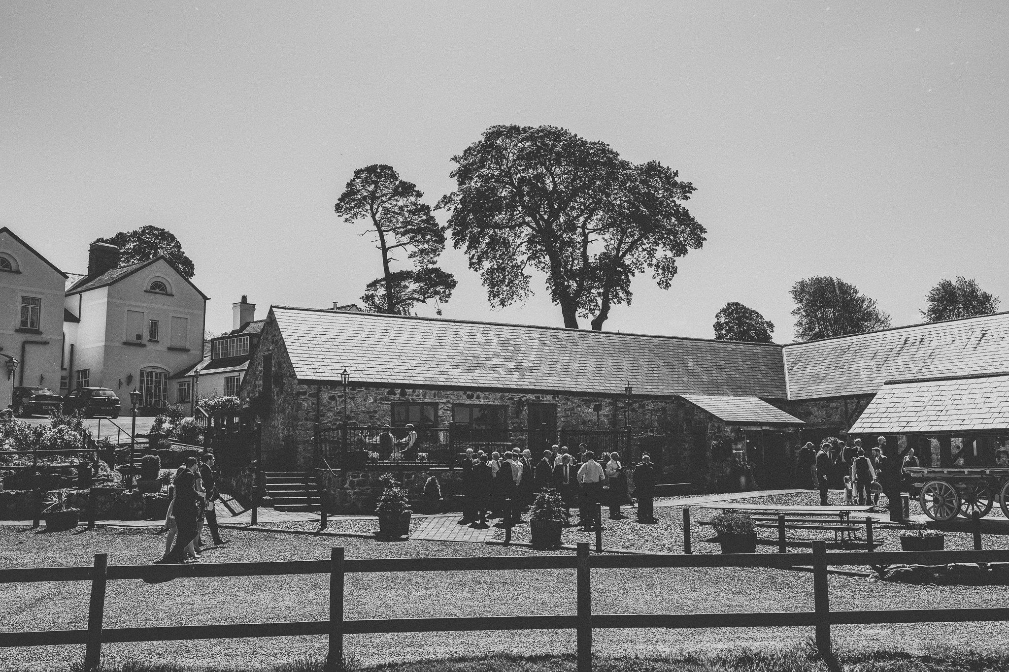 plas-isaf-corwen-north-wales-farm-wedding-photography-photographer-90020