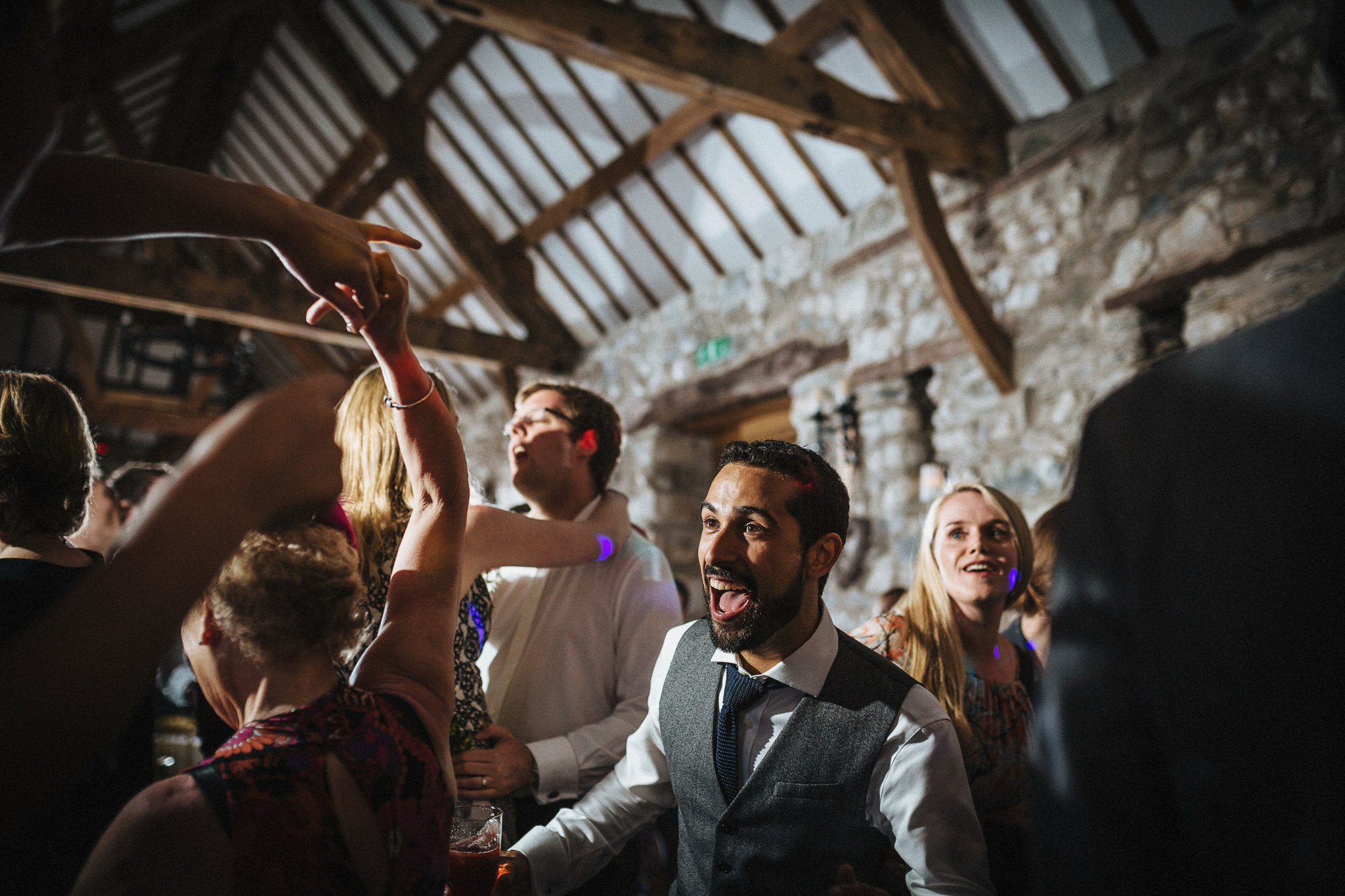 plas-isaf-corwen-north-wales-farm-wedding-photography-photographer-90094