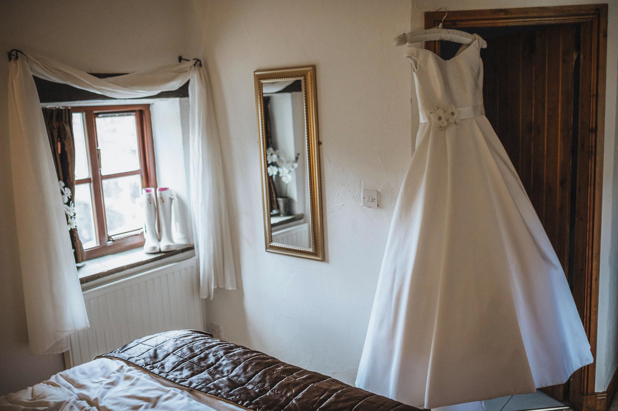 Lancashire-Creative-natural-documentary-wedding-photography-90006
