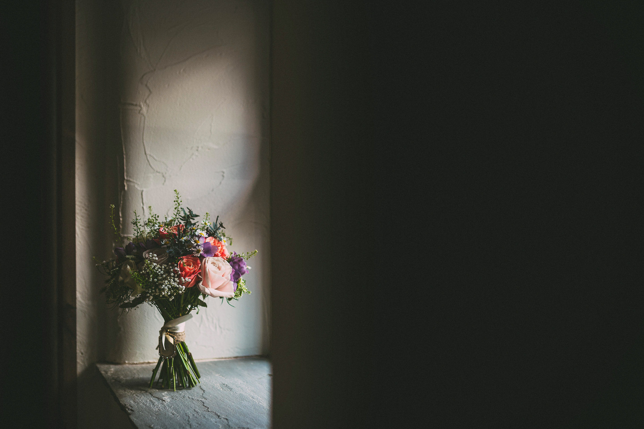 Lancashire-Creative-natural-documentary-wedding-photography-90013