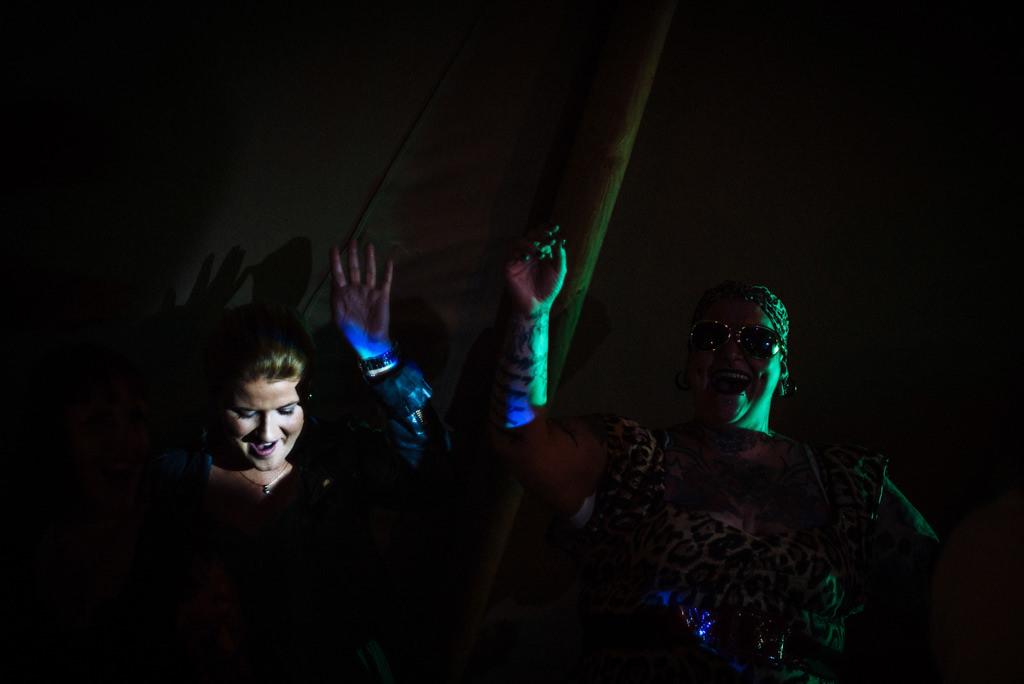 mapperley-farm-punk-wedding-elvis-94005