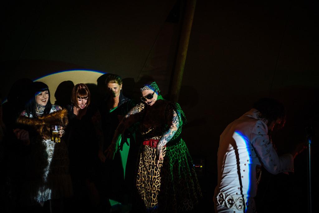 mapperley-farm-punk-wedding-elvis-94023
