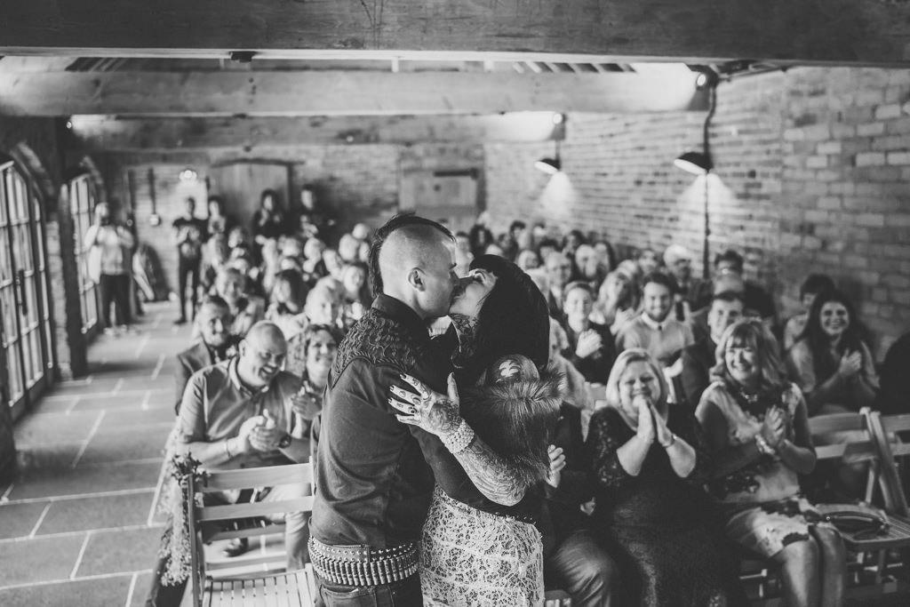 mapperley-farm-punk-wedding-elvis-94038