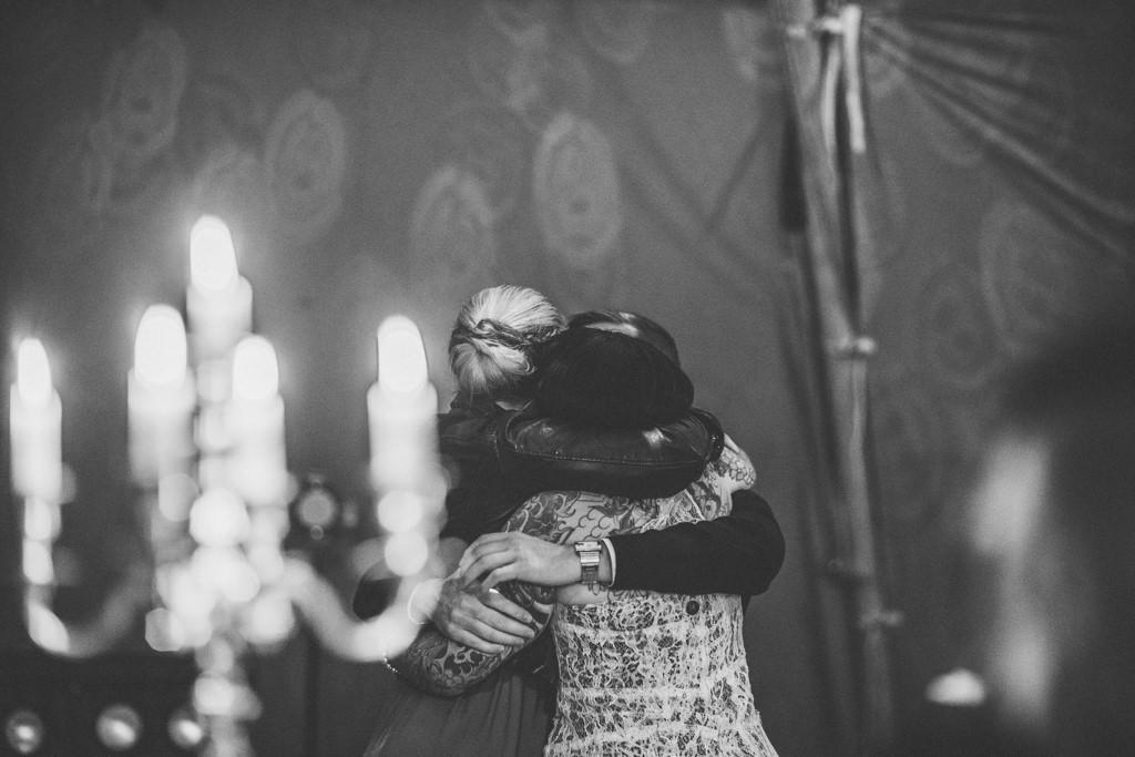mapperley-farm-punk-wedding-elvis-94039