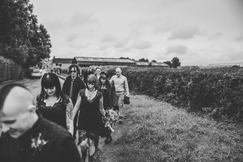 mapperley-farm-punk-wedding-elvis-94044