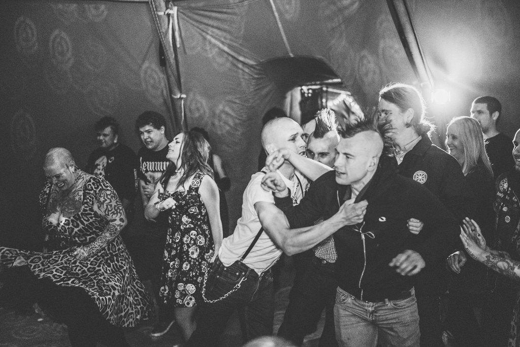 mapperley-farm-punk-wedding-elvis-94058
