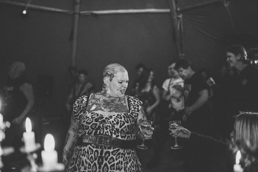 mapperley-farm-punk-wedding-elvis-94060