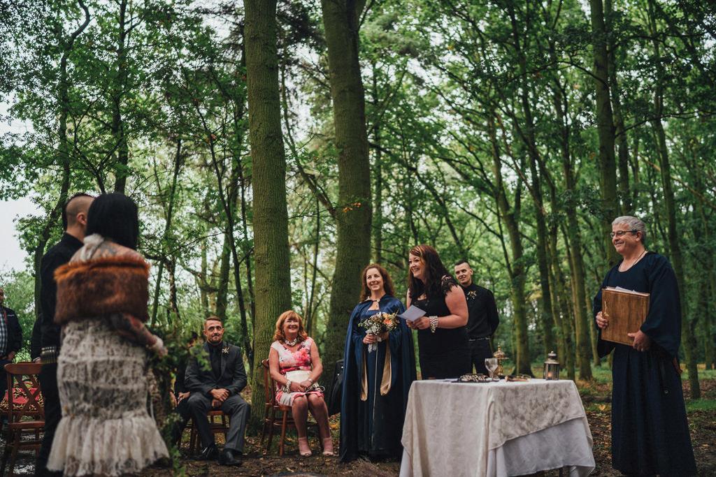 mapperley-farm-punk-wedding-elvis-94061