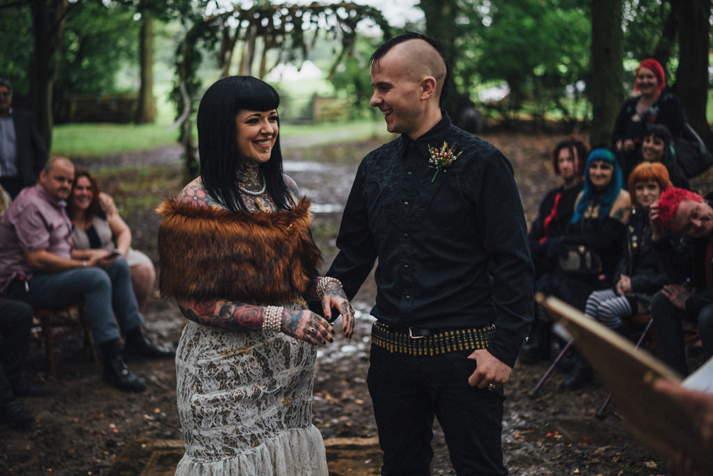 mapperley-farm-punk-wedding-elvis-94065
