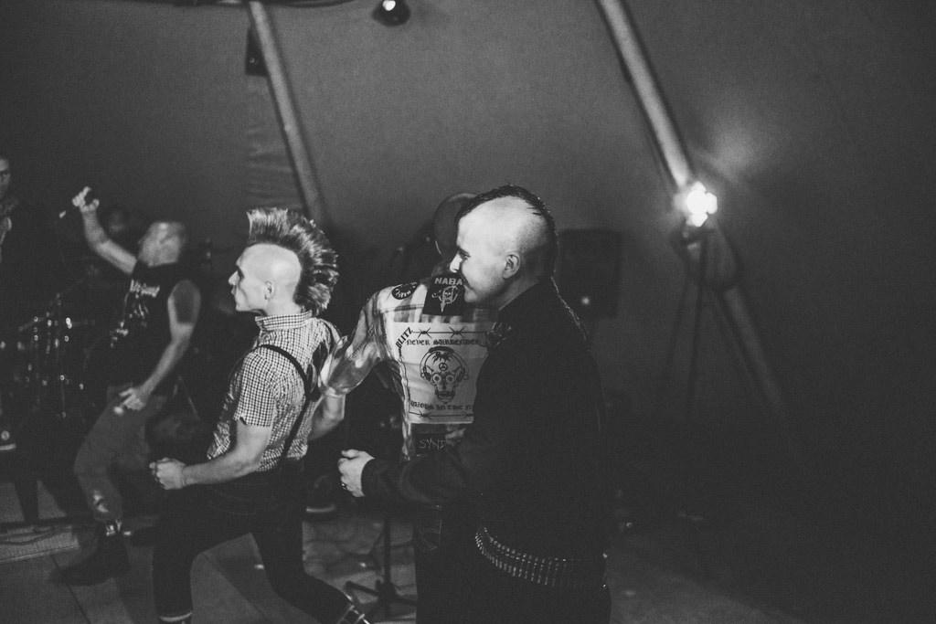 mapperley-farm-punk-wedding-elvis-94066