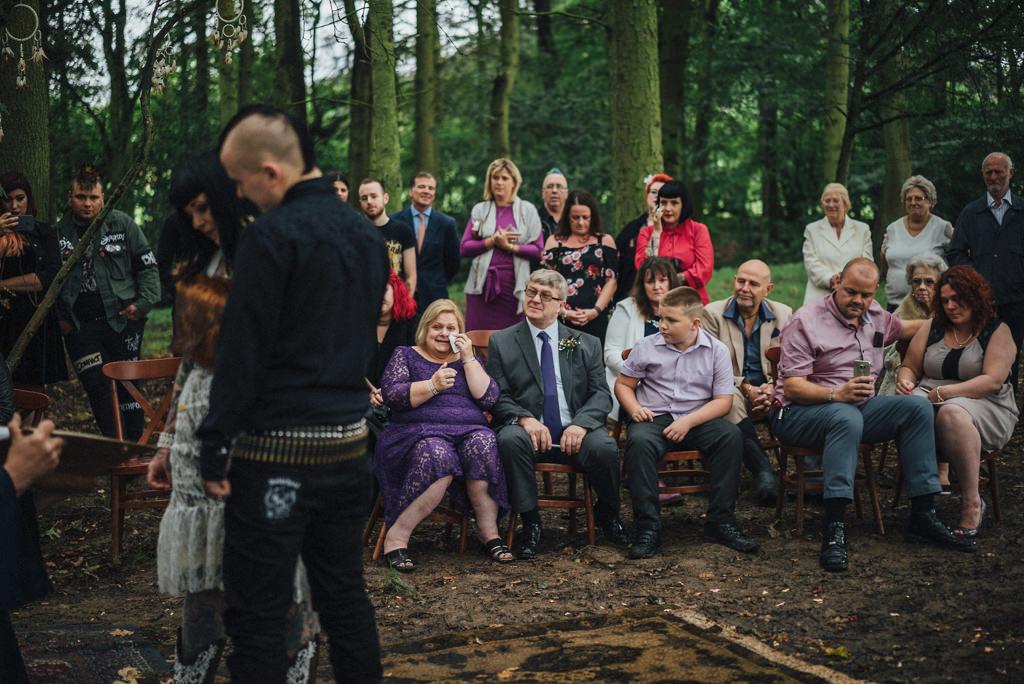 mapperley-farm-punk-wedding-elvis-94069