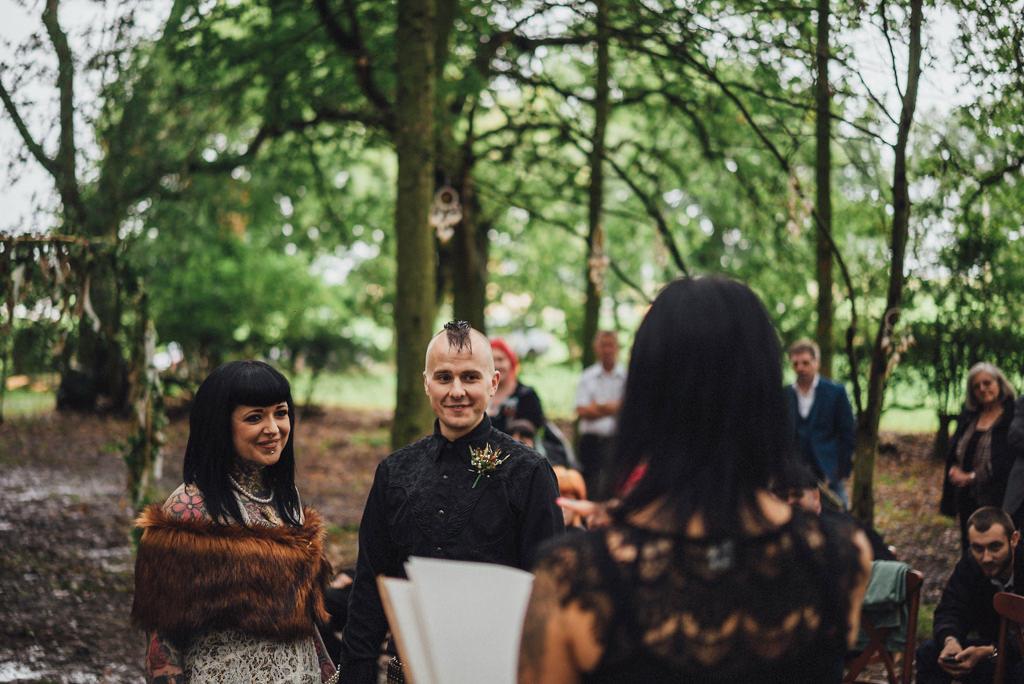 mapperley-farm-punk-wedding-elvis-94071