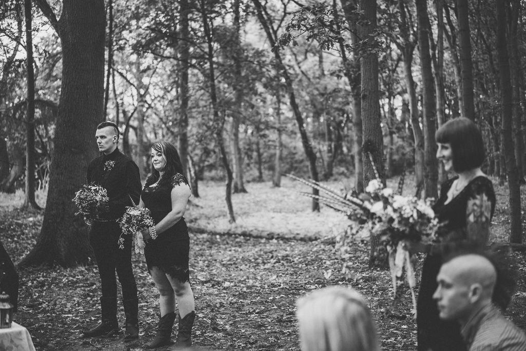 mapperley-farm-punk-wedding-elvis-94073