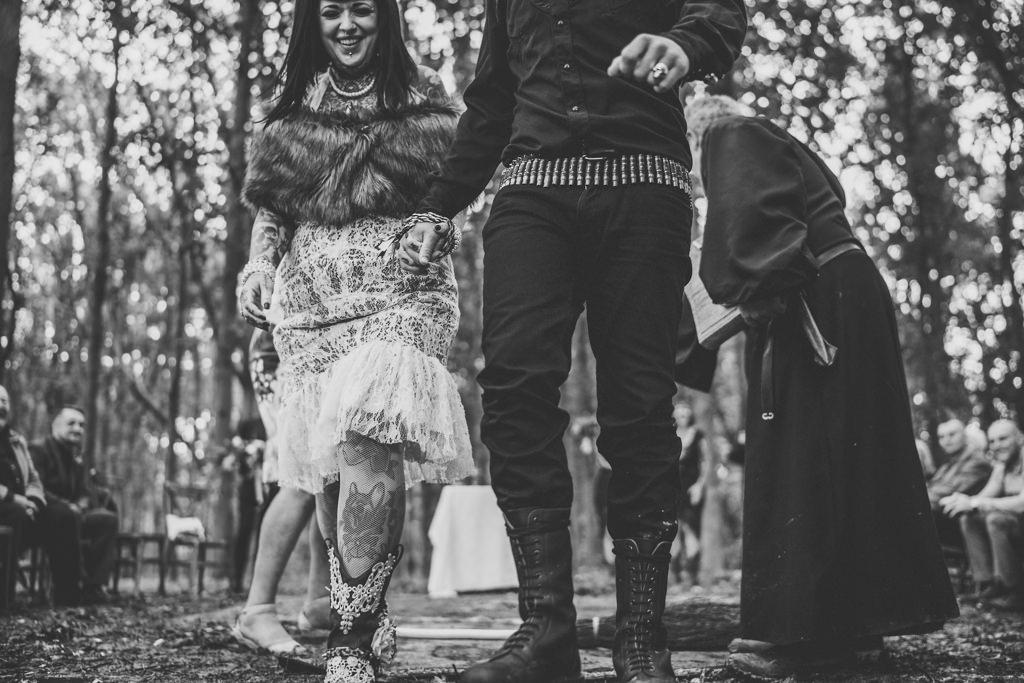 mapperley-farm-punk-wedding-elvis-94081