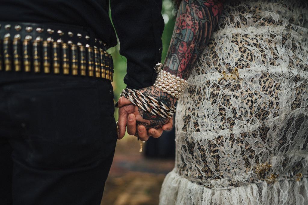 mapperley-farm-punk-wedding-elvis-94083