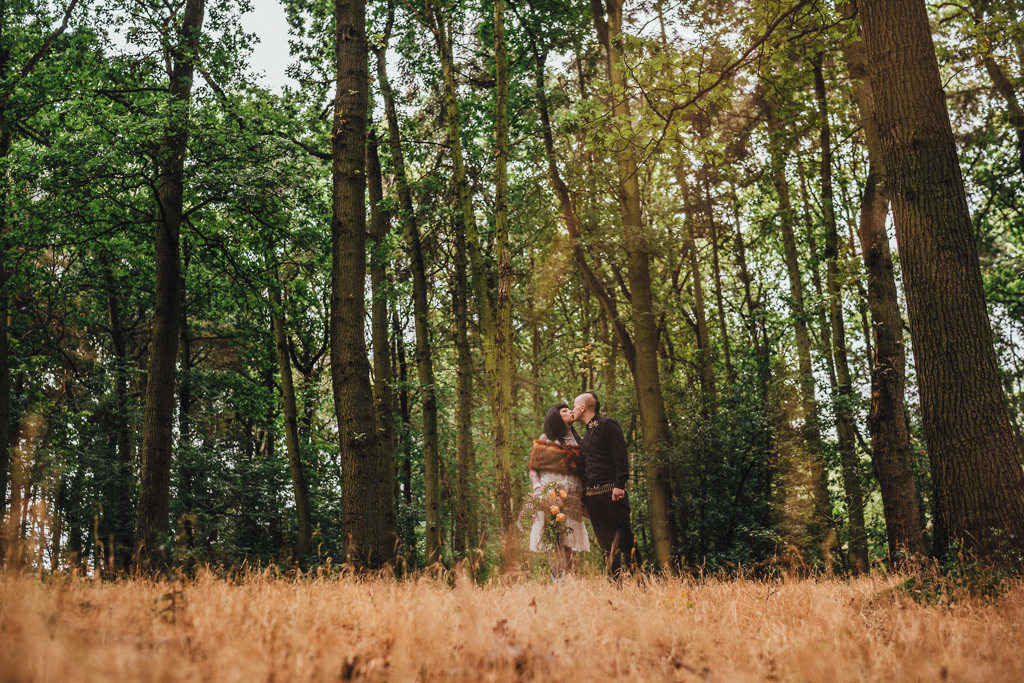 mapperley-farm-punk-wedding-elvis-94085