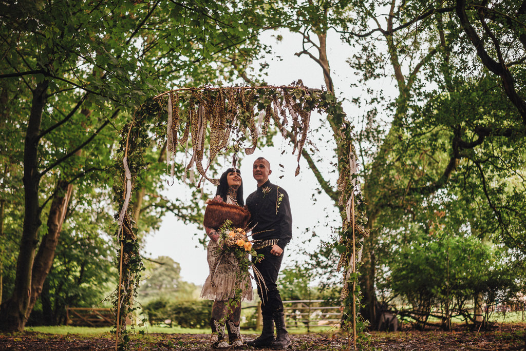 mapperley-farm-punk-wedding-elvis-94087