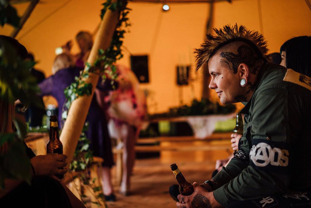 mapperley-farm-punk-wedding-elvis-94093
