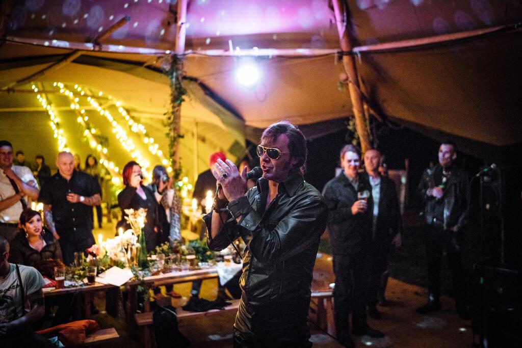 mapperley-farm-punk-wedding-elvis-94115