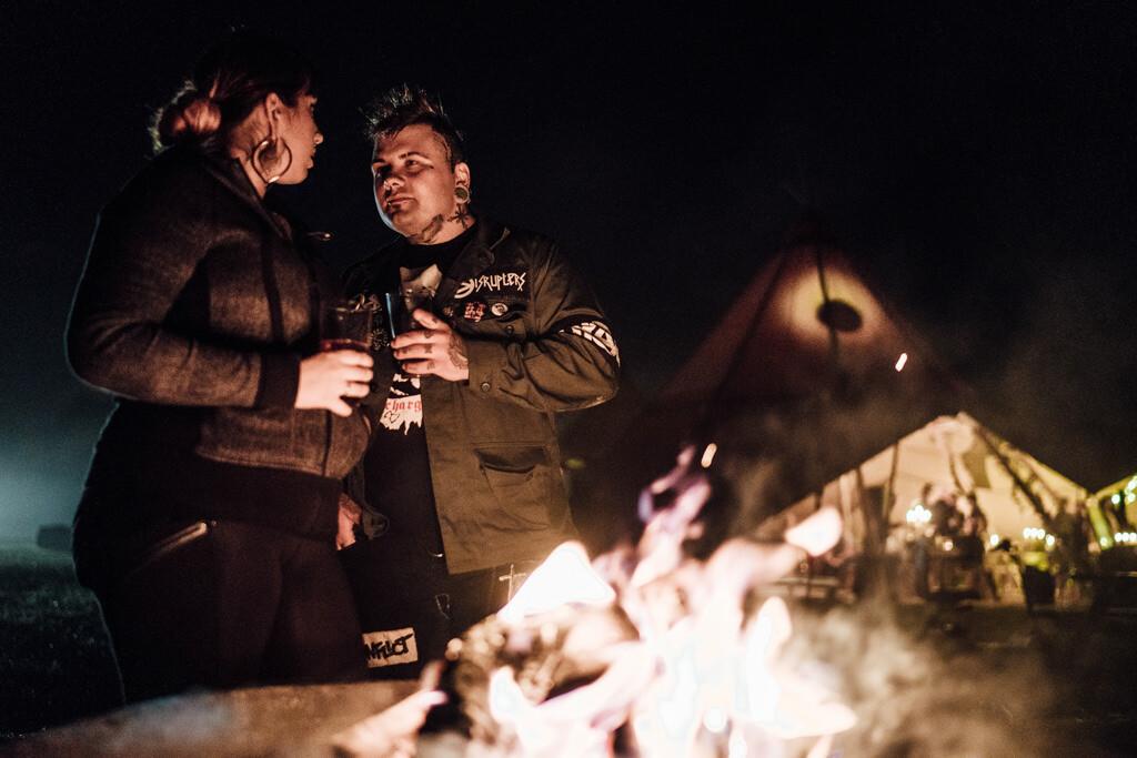 mapperley-farm-punk-wedding-elvis-94121