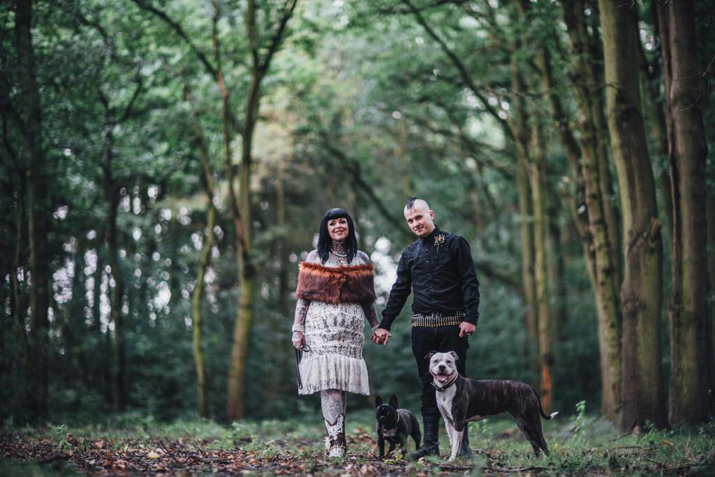 mapperley-farm-punk-wedding-elvis-94124