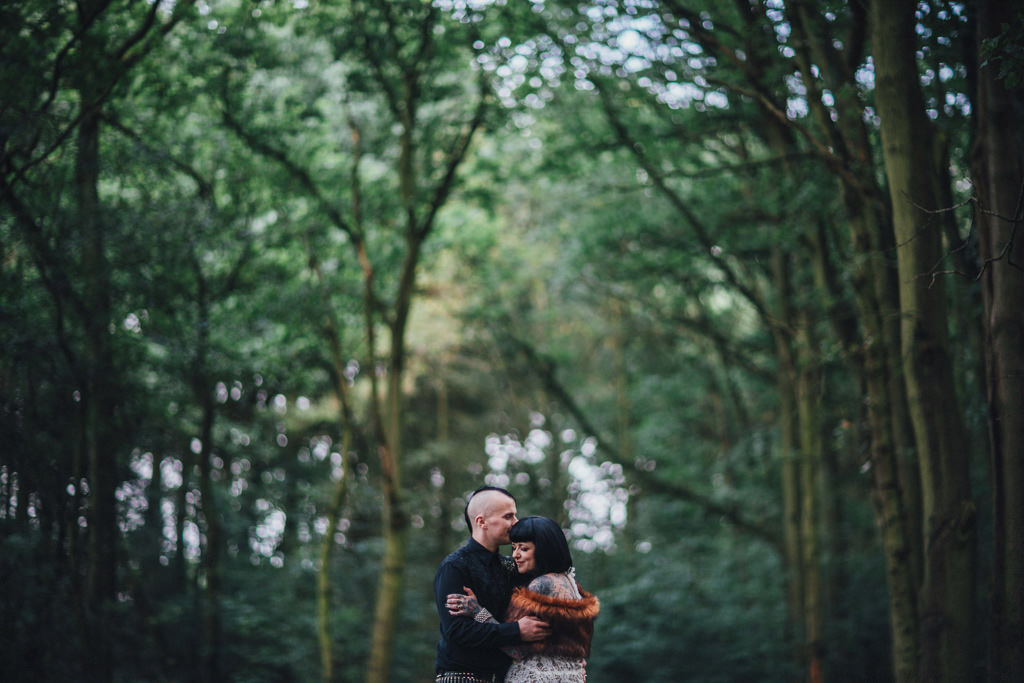 mapperley-farm-punk-wedding-elvis-94125
