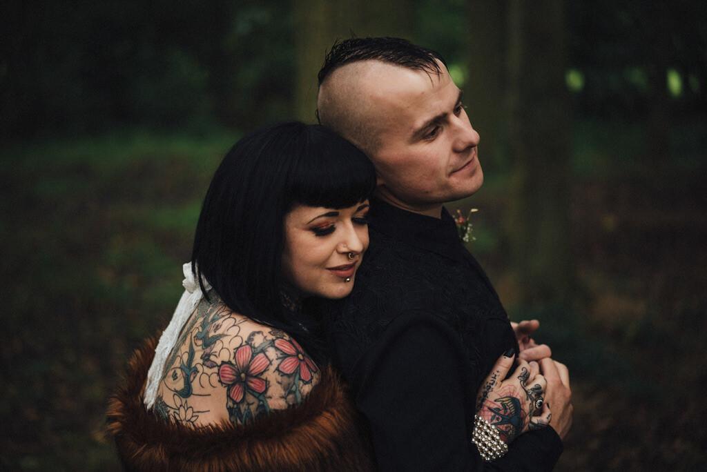 mapperley-farm-punk-wedding-elvis-94128