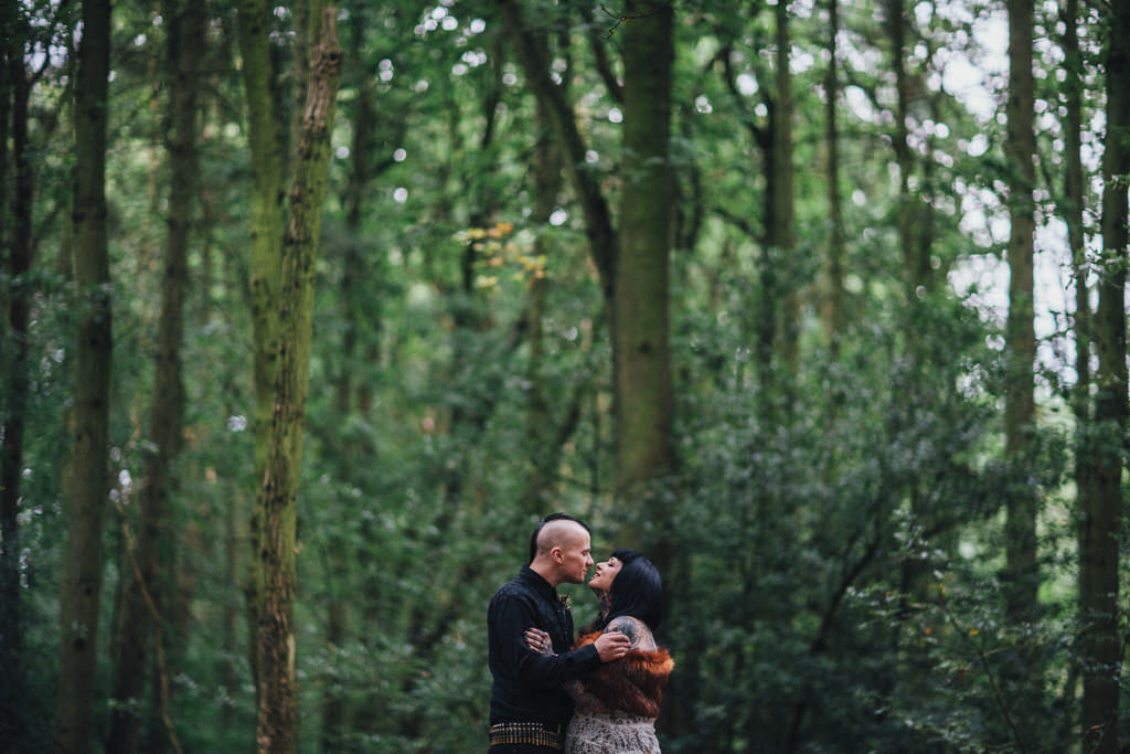 mapperley-farm-punk-wedding-elvis-94129